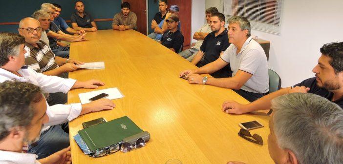 El personal se reunió con representantes de la FeNTOS